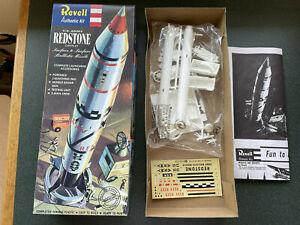 Revell US Army Redstone Chrysler 1995 Plastic Model Kit Original Package Rocket