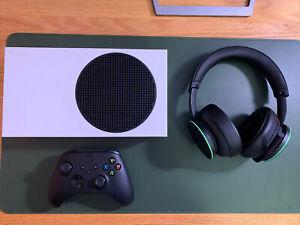 Xbox Series S 512GB Console + Xbox Wireless Headset + Black Controller