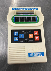 VTG Classic Electronic Football Hand-Held Electronic Game Mattel 2000 *Tested*