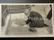 Old PC - London Life: A Pavement Artist outside the National Portrait Gallery