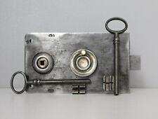 """Ancienne Serrure de Porte """" A.V. """" , Révisée, avec 2 Clés, Antique Lock Door"""