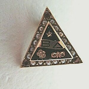 USA FRATERNITY PIN BETA DELTA. MADE IN GOLD. 1010