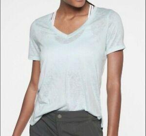ATHLETA Breezy Scoop V Tee Light Blue Top  Women Size M New