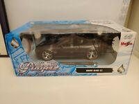 MAISTO Playerz 1:18 Luxury Diecast Collection BMW 645 Ci - DARK GREY