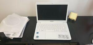 "Notebook Asus E402M; colore bianco, 500GB HDD, 4GB RAM, 14"", Windows 10"