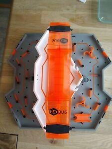 HEXBUG Nano Hive Multi-Level Carry Case PLUS 3 HEXBUGS