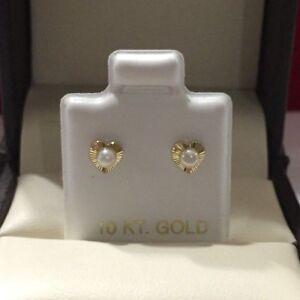 Solid 10kt Yellow Gold Heart Shape F.W Pearl Stud Earring