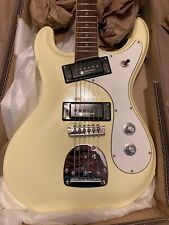 Eastwood of Canada Sidekick Pro Guitar Mosrite Style - Less than 1 hour play tim