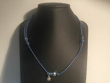 Nuevo - Collar PEARL DESIGN FRANCE - Hilo Azul + Perla Gris + Rana Plata