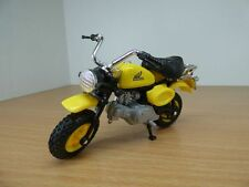 MOTO HONDA MONKEY jaune 1/18 no Skyteam