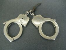 1915 WW1 POLICE STEEL HAND CUFFS -The Peerless Hand Cuff Co Springfield Mass US