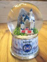 Schneekugel Schloss Neuschwanstein Castle mit Licht Snowglobe Germany