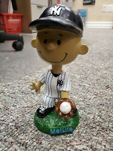 New York Yankees Franklin Peanuts Metlife Bobblehead Doll