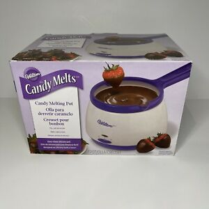 New Wilton Candy Melts Pot, 2.5 Cups, Two Inserts for Single or Double Dipping