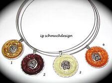 Handgefertigte runde Modeschmuck-Halsketten & -Anhänger im Medaillon-Stil