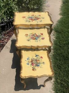 Made in Italy Vintage 3-Set Toleware  Hollywood Regency HP Nesting Tables