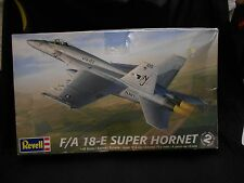 "REVELL 85-5850 1:48 SCALE U.S. "" F/A18-E SUPER HORNET "" US NAVY JET FIGHTER NEW"