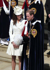 Catherine, Duchess of Cambridge & Prince William UNSIGNED photo - H5951