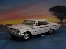1963 63 1/2 FORD GALAXIE 500 FASTBACK COLLECTIBLE DIORAMA MODEL 1/64 SCALE