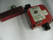 Honeywell GKLA40L6A2-F05C  With GKZ60 Safety Switch