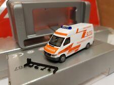 herpa  Sprinter--Berufs-FEUERWEHR 112 STUTTGART -- SERVICEWAGEN--Exclusiv Modell