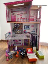 KidKraft 65871 Puppenhaus Luxury Dollhouse inkl. Möbel und Aufzug