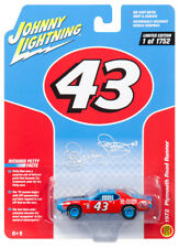 Johnny Lightning 1/64 Richard Petty 1972 Plymouth Roadrunner Die-Cast Car