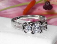 Markenlose Modeschmuck-Ringe aus Stein