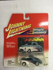 JOHNNY LIGHTNING 1:64 SCALE WILLYs GASSERS 1941 WILLYS (BLUE/WHITE)