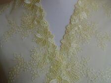 Nicht elastische Tüll Spitze aus St Gallen in zitronen gelb 18cm breit
