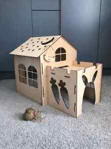 Wooden rabbit house castle rabbit toy