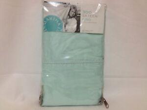 MARTHA STEWART - Pearl Hem 300T Sateen Mint Green King Pillowcases