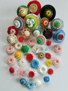 Collectible Vintage Housedress flower Plastic Buttons
