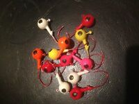 25 Pack of Painted 5/8oz Round Head Floating Jigs 4/0 Red Matzuo Hooks