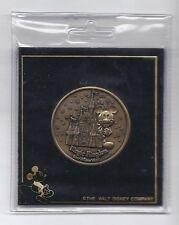 2000 Walt Disney World Commemorative Coin Rare Magic Kingdom Vintage
