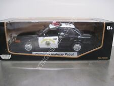 MotorMax CHP California Highway Ford Crown Victoria Black & White Patrol 1/18
