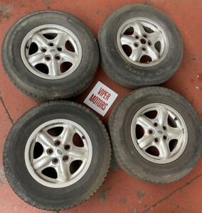 """Land Rover Discovery 2 16 Inch 16"""" Alloy Wheels and Tyres 2357016"""