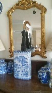 Vintage Chinese Blue& White Porcelain Umbrella Urn Vase Pasture/Waterfront Scene
