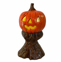 Vintage ceramic jack o lantern on haystack halloween decoration - Dated 1983