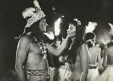 "ISABEL SARLI & ALBERTO BARCEL in ""India"" Original Vintage Photo 1960"