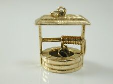 WATER WELL CHARM VINTAGE 9CT GOLD CIRCA 1960s 4.4 GRAMS