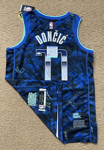 Luka Doncic Signed AUTHENTIC Limited Edition Rookie Of The Year Jersey Psa/Dna