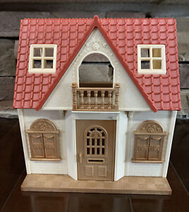 Calico Critters Sylvania Families Deluxe Cozy Cottage House With Furniture