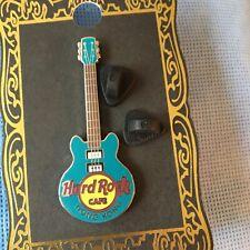 Hard Rock Cafe Core Guitar PIN badge Hong Kong 3 String