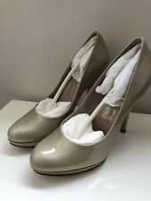SALVATORE FERRAGAMO CANDICE 10cm BEIGE PATENT LEATHER SHOES PUMPS SIZE 5.5 NEW