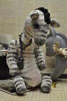 Mohair/Bear Zebra Pattern, 9,5 inch