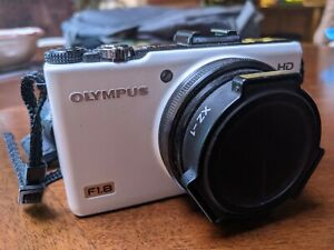 TESTED Olympus Stylus XZ-1 XZ1 F1.8 Camera CHARGER FREE SHIPPING EXTRA BATTERIES