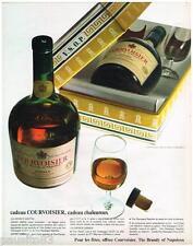 PUBLICITE ADVERTISING 105  1967  COURVOISIER  le coffret cadeau cognac