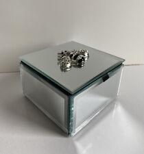 NEW GLASS SQUARE MIRRORED BEE DESIGN TRINKET JEWELLERY STORAGE BOX GIFT.