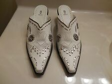 BAKERS COWBOY BOOTS WOMEN'S SZ 8.5B Booties Ankle Shoe Boots Wedge WHITE LEATHER